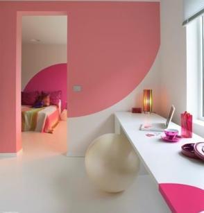 Mengecat Dinding Dengan Shape dan Warna yang Sesuai Dengan Tema dan Furniture